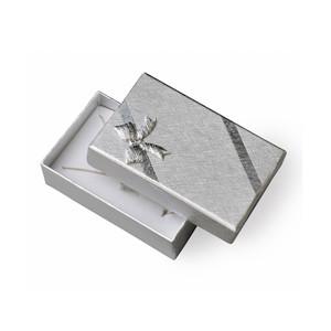 Stříbrná krabička s mašličkou